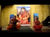 Танец Пушпанджали -танец-Пуджа - Танцуют Аня и София Хорхе. Концерт перед Всекураинской Пуджей Наваратри
